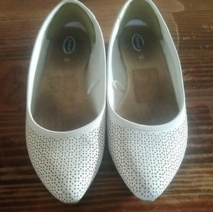 Dr. Scholls pointed flats